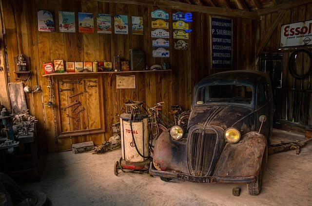 Old School Mechanic Tip #2: Which Way Does The Thermostat Go?