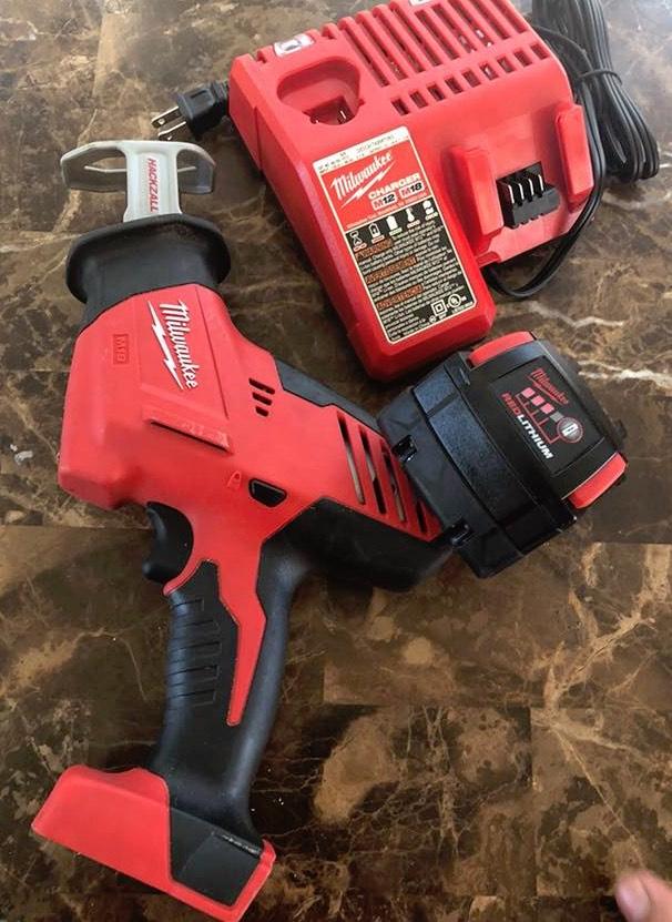 beginner-mechanic-tool-list-saws