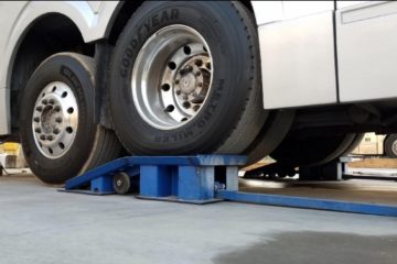 Best Heavy Duty Ramps for Trucks (For Big Trucks & Oil Changes)
