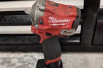 "Milwaukee Stubby Impact 1/2"" VS. 3/8"": Mechanic Buying Guide"