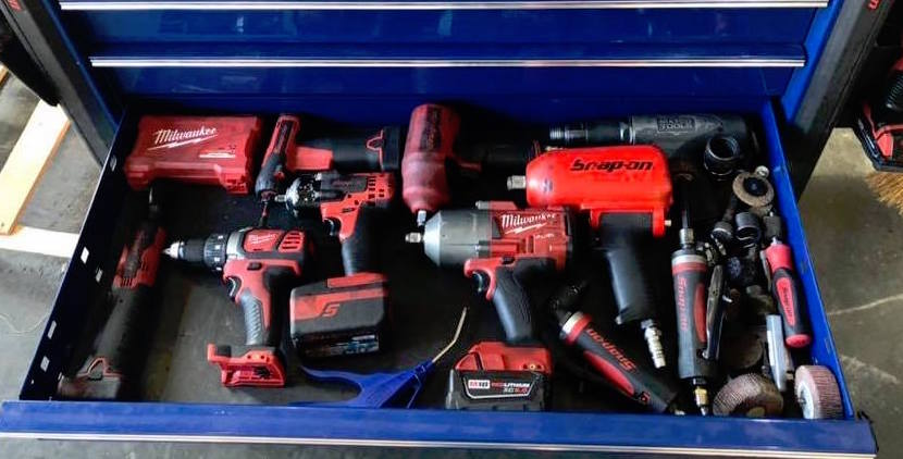 milwaukee-vs-snap-on-cordless-tools-comparison-illustrated-guide